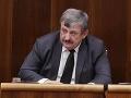 Anton Hrnko opäť navrhuje, aby vojenskí duchovní nemuseli nosiť zbraň