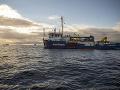 Pašeráci neustále úradujú: Grécka pobrežná stráž si na nich posvietila a dvoch zadržala