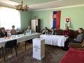 V jednej z najmenších obcí na Slovensku volia v dome starostu.