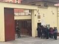 Súd rozhodol o predĺžení väzby pre Zsuzsovú a ďalších obvinených: Rázne opatrenia pred novinármi