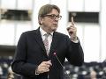 Občanov EÚ nevyhostia z Británie, ak si nedoriešia otázku pobytu, ubezpečuje Verhofstadt