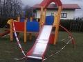 Odporný prípad v Poľsku: Matka išla s chlapčekom (2) na ihrisko, po použití šmykľavky nastal horor