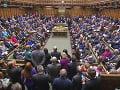 Brexit je na spadnutie: Dolná snemovňa britského parlamentu ho definitívne odhlasovala