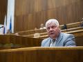 Minister Érsek potrebuje dosadiť do ŽSR svojho človeka, tvrdí KDH
