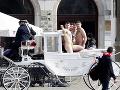 Štyria turisti v Krakove šokovali okoloidúcich: FOTO Holé zadky, po meste sa premávali takmer nahí