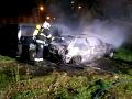 VIDEO V Prahe zhorelo osobné auto: Hrozný pohľad dovnútra, našli v ňom ľudské telo