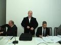 MIMORIADNY ONLINE Proces s Kotlebovou ĽSNS: VIDEO Pojednávanie je odročené, súd rozhodne o tri týždne
