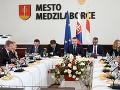 Výjazdové rokovanie vlády na východe Slovenska: Finančná pomoc na rekonštrukciu ciest