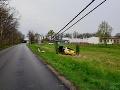 Medzi Ivankou pri Dunaji a Zálesím havaroval vodič luxusného BMW.