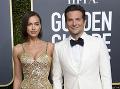 Irina Shayk a Bradley Cooper viac netvoria pár.
