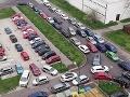 Parkovacia brutalita v Petržalke: Uvidíte FOTO Mariána a hneď vám stúpne tlak