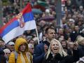 Srbi opäť vyšli do ulíc Belehradu: Proti prezidentovi protestujú pravidelne už od decembra