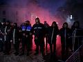 Viacero príslušníkov polície utrpelo zranenia počas opozičných protestov, ktoré sa konali v albánskej metropole Tirana.