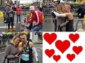 Romantické prekvapenie, ktoré dojalo celý svet: Gabriel si po odbehnutí maratónu kľakol pred priateľku a...