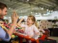 PREHĽAD: Takto budú otvorené obchody počas veľkonočných sviatkov, nakúpite aj na poslednú chvíľu