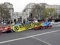 Organizátori klimatických protestov v Londýne oznámili, že dočasne ukončia protestné akcie.