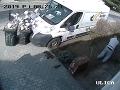 Muž pokojne okopával záhradku, keď zrazu... VIDEO zachytáva, ako ho od smrti delili centimetre
