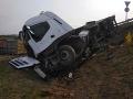 havarovaný kamión Tesárske Mlyňany