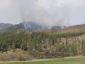 Hrozivá nedeľa v Kravanoch: VIDEO Hasiči bojujú s požiarom, v akcii sú aj Ozbrojené sily SR