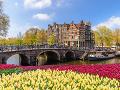 Legendárny plávajúci trh v Amsterdame už nebude taký, ako predtým: Kvety už na ňom nekúpite
