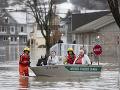 Rozsiahle záplavy na východe Kanady: Evakuovať museli už stovky obyvateľov