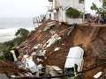 VIDEO Mohutné dažde v Južnej Afrike: Záplavy a zosuvy pôdy si vyžiadali viac ako 70 obetí