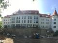 Zámoček v Pezinku sa už dnes stane dejiskom veľkého dňa Jasminy Alagič a Patrika Rytmusa Vrbovského.