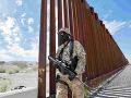 Americký vojak na hraniciach s Mexikom