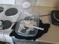 FOTO Policajný zásah vo Veľkom Blahove: V byte zaistili drogové laboratórium