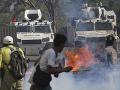 FOTO Venezuela bola na nohách: Pri pouličných stretoch sa zranilo najmenej 69 ľudí