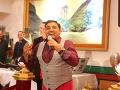 Na párty zaspieval Igor Kmeťo, ktorý rozprúdil poriadnu zábavu.