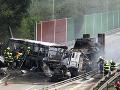 VIDEO Desivá nehoda v Prahe: Zrážka kamiónu s autobusom