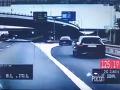 Zbesilá jazda po Bratislave, ignorácia policajtov aj vyhrážky: VIDEO Arogancia level 1000!