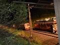 FOTO Na Liptove spadlo zábradlie mosta na železničnú trať, incident sa už prešetruje