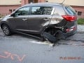 FOTO Opitý muž (25) narazil do zaparkovaného auta: Po nehode sa rozhodol ujsť