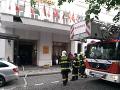 Horel pražský hotel: Takmer stovku hostí museli evakuovať, zasahovali viaceré hasičské jednotky