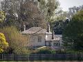 Meghan Markle a princ Harry budú spolu vychovávať chlapčeka v Frogmore Cottage.