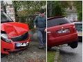 Smutná príčina kurióznej nehody: FOTO Rimavskosobotskí policajti len krútili hlavami