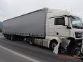Vážna zrážka áut v Maďarsku: Slovenský kamión bol účastníkom smrteľnej dopravnej nehody