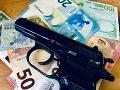 Prepad pumpy v Žiari nad Hronom: Polícia pátra po páchateľovi, útočil zbraňou