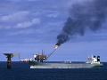 Ropné tankery terčom sabotáže pri pobreží SAE: Vznikli na nich viditeľné škody