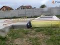 Stavbára na Záhorí privalil panel.