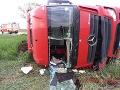 Opitý kamionista sa rútil Trnavou: FOTO Kolos zvalcoval auto, ani to ho nezastavilo