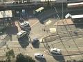 Dráma na rušnom mieste v Sydney: FOTO Muž zaútočil nožom na policajtov, vypukol chaos