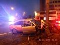 Vodič sa pokúsil utiecť policajnej hliadke: Zdemoloval auto a spolujazdkyňu nechal v aute