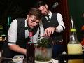 Súčasťou programu bola aj ochutnávka koktailov, ktoré barmani pripravovali priamo pred očami hostí.
