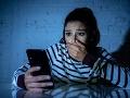 Dievčina (20) pozrela do mobilu svojho priateľa a zhrozila sa: To mi chcel naozaj TOTO urobiť?!