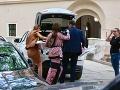 Jasmina Alagič si do zámockého hotela priviezla aj stoličku pre svojho synovca.