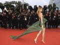Aj modelka Stefanie Giesinger sa predviedla v sexi šatách.