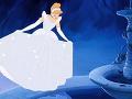 Klasická Popoluška z animovanej rozprávky od Walta Disneyho.
